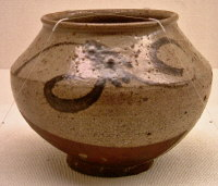 E-garatsu jar with plant-scroll design